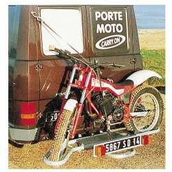 Porte-moto sur attelage véhicule